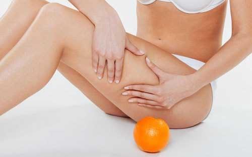 palper-rouler-jambes-cellulite-8613384